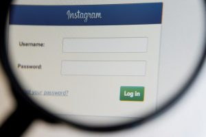 Come scollegare un account Instagram da un altro dispositivo